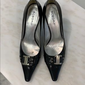 BCBG Girls black patent leather pumps with buckle